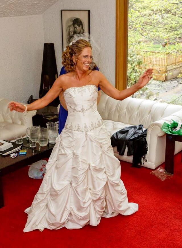 wedding dress, Vawn